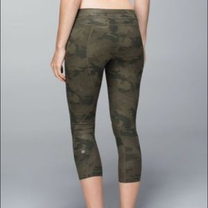 EUC Lululemon Run: Inspire crop ll *All Lux 4